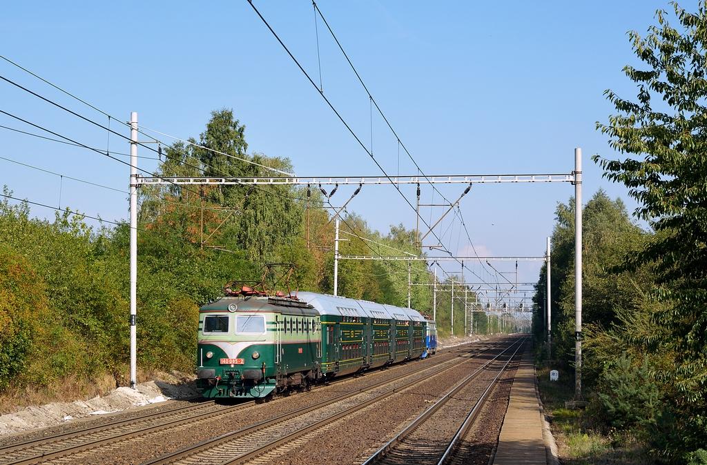 Historické vozidlo 140 085-2, Zvl. Os., Český Brod – Rostoklaty, 12.9.2015 15:39 - Trainweb