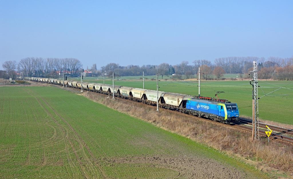 Lokomotiva 189 846-9, Pn 47761  (Brake – Dresden – Děčín – Ústí n.L. – Mělník – Nymburk – Kolín – Č.Třebová – Brno – Kúty – Bratislava – Püspökladány), Libice nad Cidlinou – Velký Osek, 9.3.2014 15:01 - Trainweb