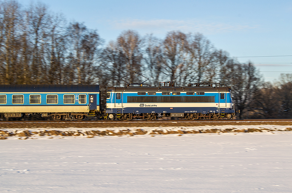 Lokomotiva 242 277-2, Sp 1739, Kardašova Řečice, 27.1.2021 16:15 - Trainweb