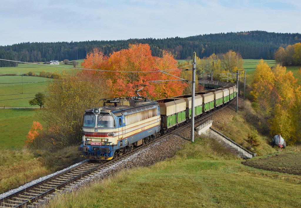 Lokomotiva 340 062-9, Pn 47511  (Praha-Radotín – Tábor – České Budějovice – Summerau – Linz Voest Alpine, Horní Dvořiště – Summerau, 26.10.2017 10:33 - Trainweb