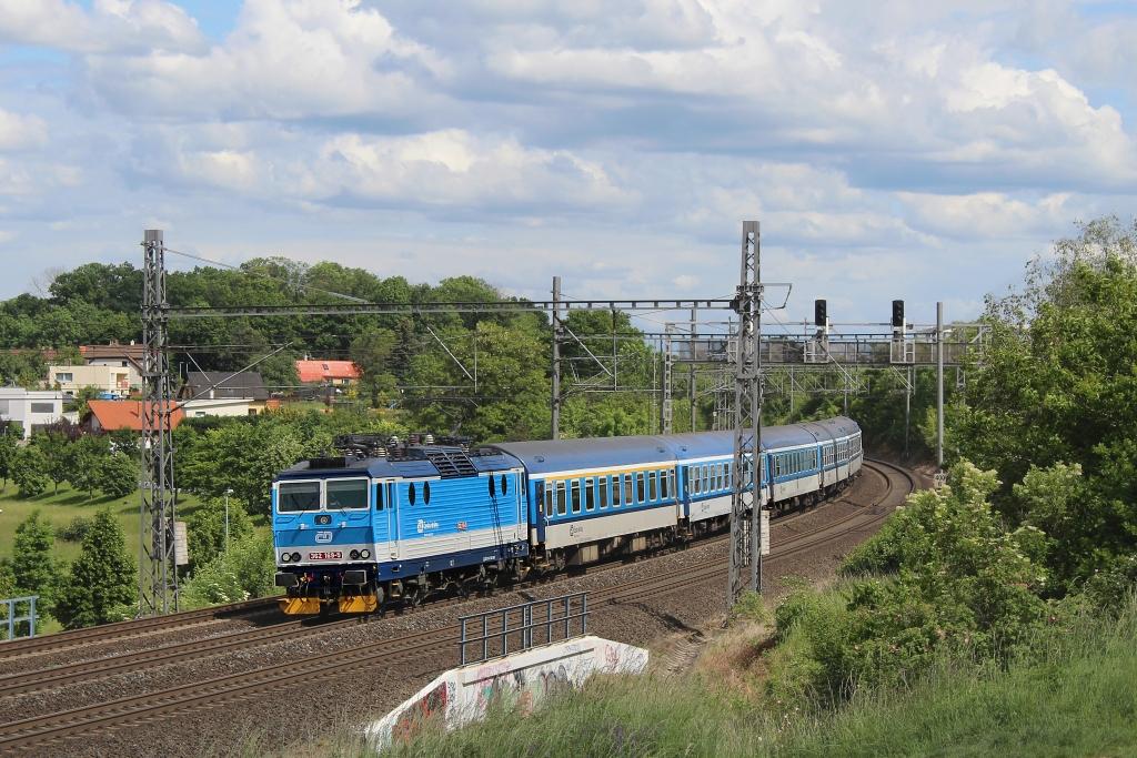"""Lokomotiva 362 169-5, R 982 """"Vysočina"""" (Brno – Havlíčkův Brod – Praha), Praha-Dolní Počernice – Praha-Kyje, 30.5.2020 15:40 - Trainweb"""