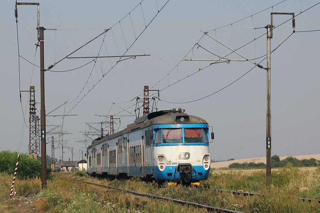 Jednotka 452 008-6, Os 9410 Kolín - Praha, Stratov, 22.7.2006 9:09 - Trainweb