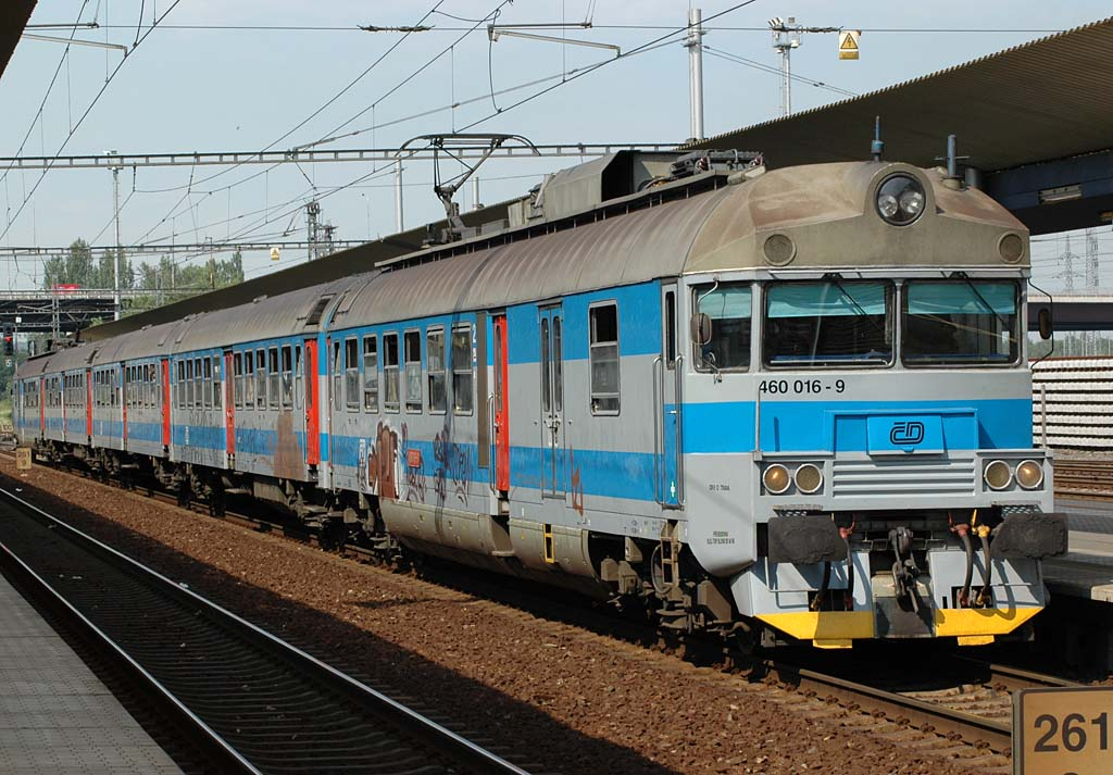 Jednotka 460 016-9, Os 3320  (Mosty u Jablunkova - Hranice na Moravě), Ostrava-Svinov, 15.7.2005 15:42 - Trainweb