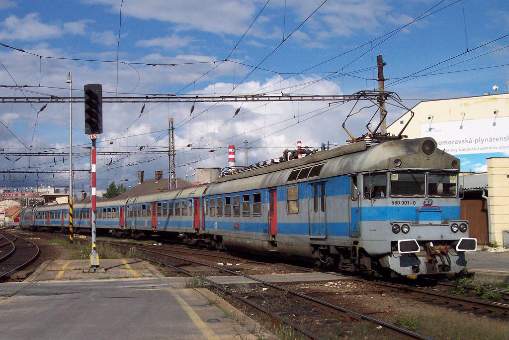 Jednotka 560 001-0, Os 4930 do Tišnova, Brno hl.n., 22.8.2006 16:02 - Trainweb