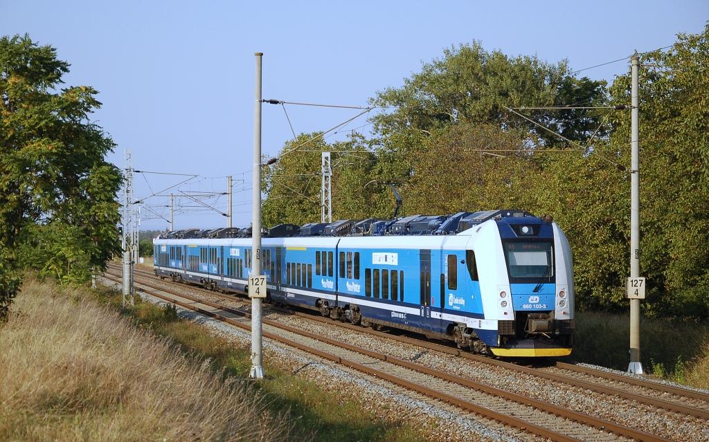 Jednotka 660 103-3, Rx 806  (Olomouc – Přerov – Břeclav – Brno), Vojkovice nad Svratkou – Hrušovany u Brna, 14.9.2016 17:12 - Trainweb