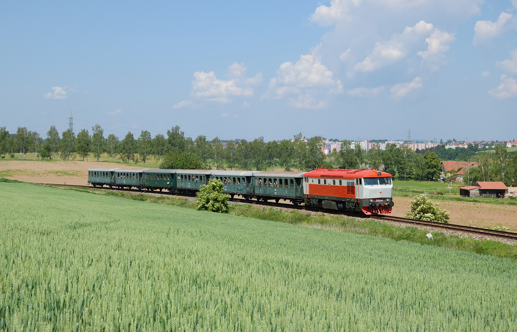 """Lokomotiva 749 008-9, Sp 9081 """"Ferdinand""""  (Praha – Vrané nad Vltavou – Čerčany – Benešov u Prahy – Vlašim), Benešov u Prahy – Myslíč, 26.5.2018 11:32 - Trainweb"""