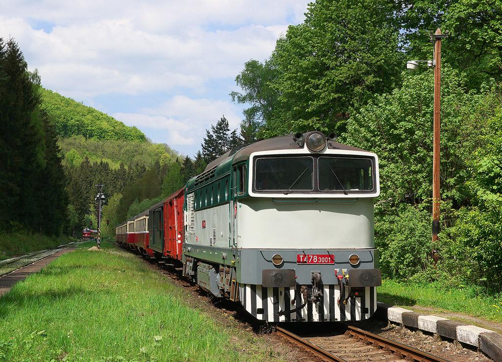 Lokomotiva 753 001-7, Os 1.nsl 6605  (Česká Lípa – Karlov pod Ještědem – Liberec-Horní Růžodol), Karlov pod Ještědem, 11.5.2008 11:18 - Trainweb