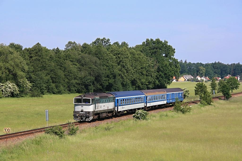 Lokomotiva 754 031-3, Os 8707 (Veselí nad Lužnicí – Třeboň – České Velenice), Majdalena zastávka - Majdalena, 27.5.2018 10:14 - Trainweb