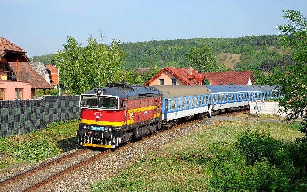 Lokomotiva 754 049-5, Sv 19733  (Praha-Zličín – Praha-Smíchov – Praha hl.n. – Praha-Libeň), Praha-Žvahov – Praha-Smíchov spol.n., 1.6.2018 8:37 - Trainweb