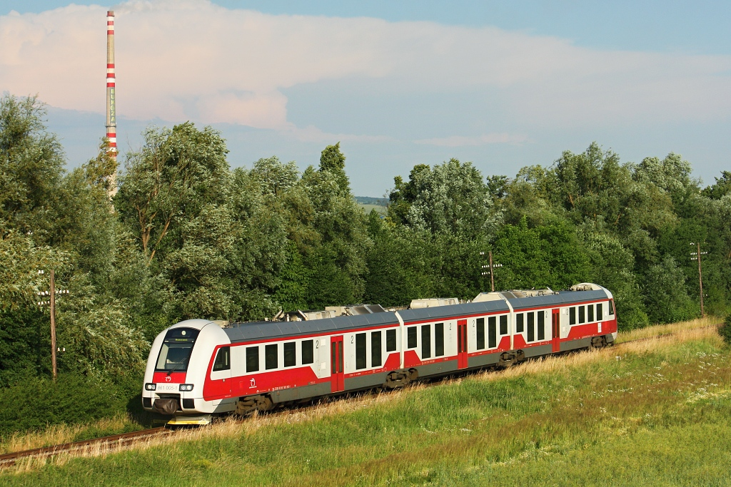 Motorový vůz 861 005-7, Os 9115  (Prešov – Vranov nad Topľou – Humenné), Vranovské Dlhé – Hencovce, 14.6.2013 18:22 - Trainweb