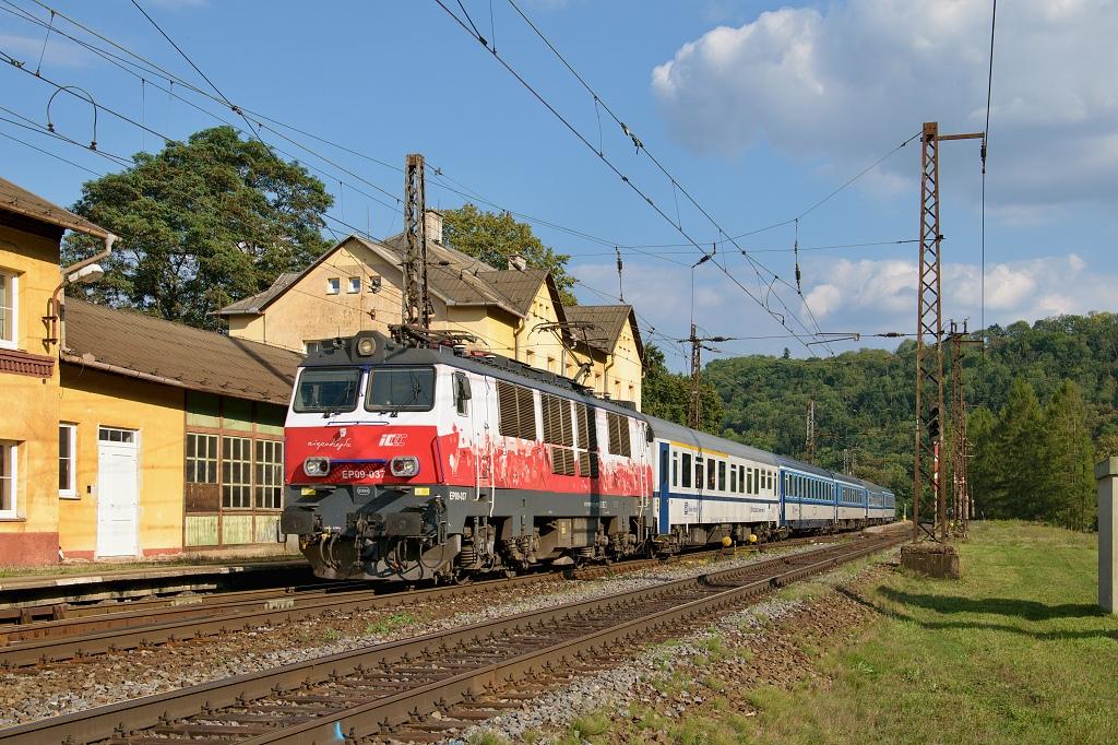 Lokomotiva EP09037, IC 114 (Cracovia) Krakow - Ostrava - Praha, Brandýs nad Orlicí, 6.9.2018 16:30 - Trainweb