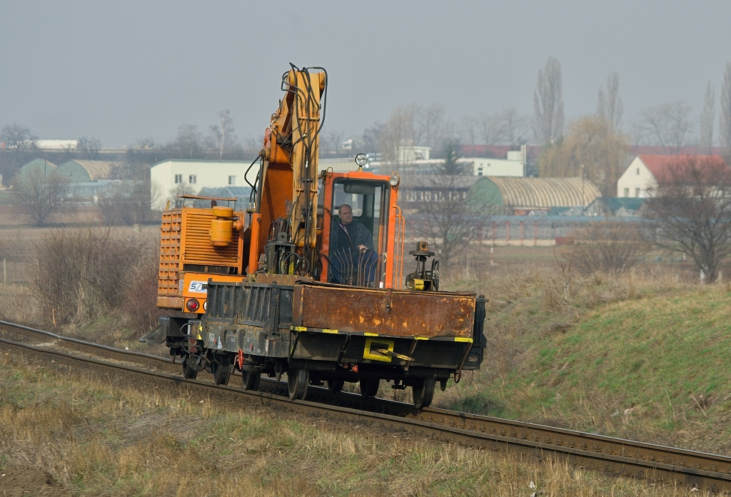 Vozidlo SVP 74 129, Služ 77553  (Kladno – Praha-Bubny), Praha-Ruzyně, 24.3.2010 8:45 - Trainweb
