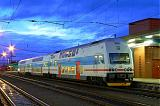 Jednotka 471 003-4, Os 9306  (Pardubice – Kolín – Praha), Pardubice hl.n., 7.1.2007 7:27 - Trainweb