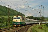 """Lokomotiva 150 002-4, R 622 """"Bečva""""  (Vsetín – Hranice na Moravě – Přerov – Olomouc – Česká Třebová – Praha – Plzeň – Cheb), Bezpráví – Brandýs nad Orlicí, 20.6.2006 16:36 - Trainweb"""