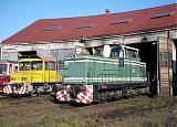 Lokomotiva 710 016-7 + 199 407-8, depo Nové Zámky, 13.9.2007 8:31 - Trainweb