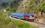 Lokomotiva 749 121-0, Os 9057  (Praha – Vrané nad Vltavou – Čerčany), Petrov u Prahy – Luka pod Medníkem, 1.5.2017 10:31 - Trainweb