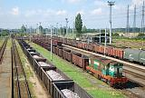 Lokomotiva 771 021-3, posunující záloha, Haniska pri Košiciach, 24.8.2016 10:36 - Trainweb