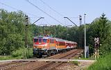 """Lokomotiva EP07P-2001, R 76901 """"Kamieńczyk"""" (Poznań – Wrocław – Jaworzyna Śląska – Wałbrzych – Jelenia Góra – Szklarska Poręba), Świebodzice – Wałbrzych Szczawienko, 20.5.2018 10:54 - Trainweb"""