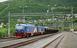 "Lokomotiva ""Kiruna-lok"" IORE 128 Krokvik + IORE 104 Gällivare, doly Kiruna – úpravna LKAB Narvik, Narvik, 7.7.2016 19:18 - Trainweb"