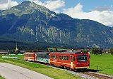 Lokomotiva VT 8 + VT 6, R 139  (Jenbach – Mayrhofen), Strass im Zillertal – Schlitters  (Rakousko), 25.8.2006 15:33 - Trainweb