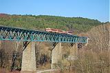 Motorový vůz 811 xxx + 811 008, Os 3119  (Velká nad Veličkou – Vrbobce – Myjava – Nové Mesto nad Váhom), Papradský viadukt, 2.4.2009 16:15 - Trainweb