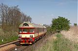 Řídící vůz 954 002-2, Os 4811  (Okříšky – Třebíč – Brno)  [zkrácená výluková trasa vlaku], Střelice Dolní – Troubsko, 19.4.2007 14:07 - Trainweb